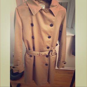 Inès de la Fressange trench coat